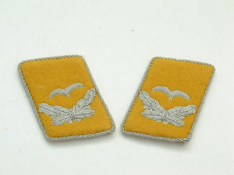 WW2 German Luftwaffe Leutnant Collar Tabs